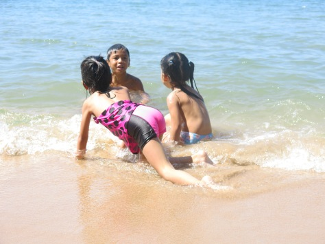 Kids playing in the sea, Ream beach, Sihanouk Ville