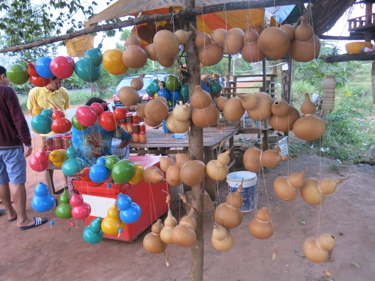 Gourds for sale, not for eating but you can put water in